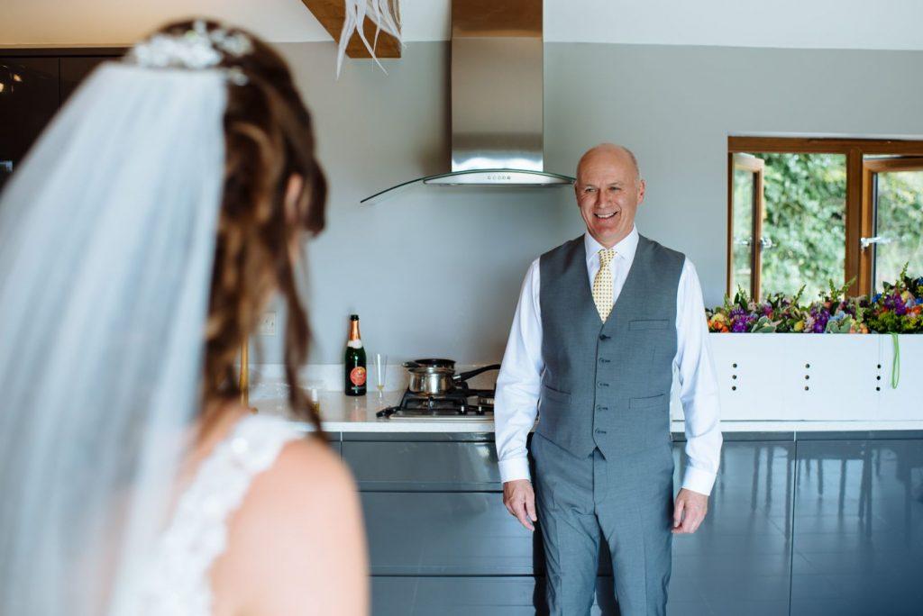 brookfield-barn-wedding-009-1024x684