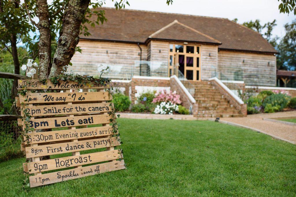brookfield-barn-wedding-012-1024x684