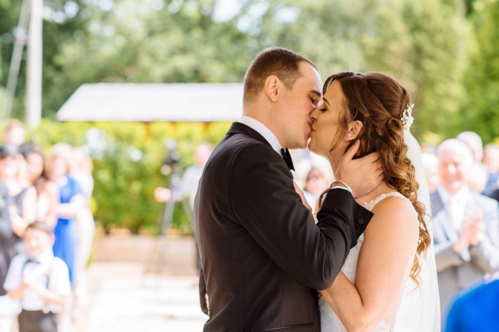 brookfield-barn-wedding-023-1024x681