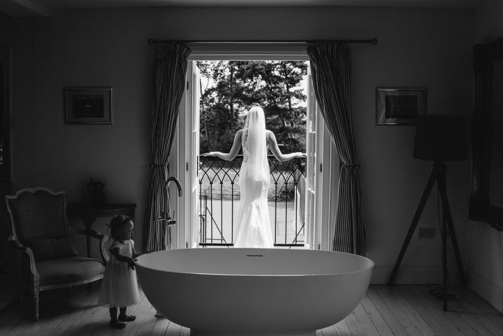 laughton-barns-wedding-photographer-008--1024x684