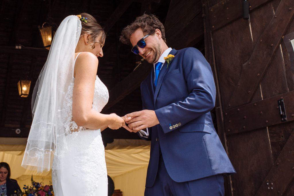 laughton-barns-wedding-photographer-017--1024x684