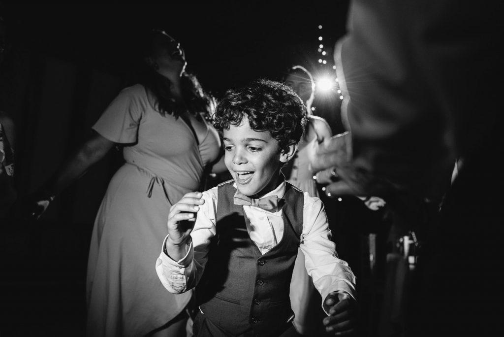 laughton-barns-wedding-photographer-047--1024x684