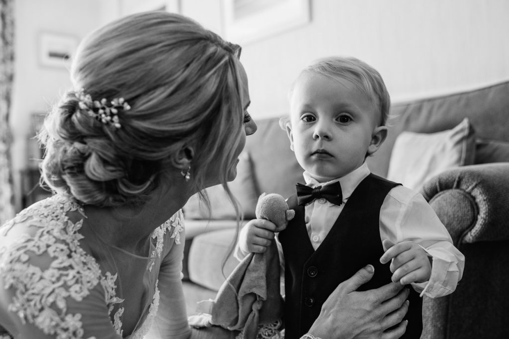 pippingford-park-wedding-photographer-004--1024x682