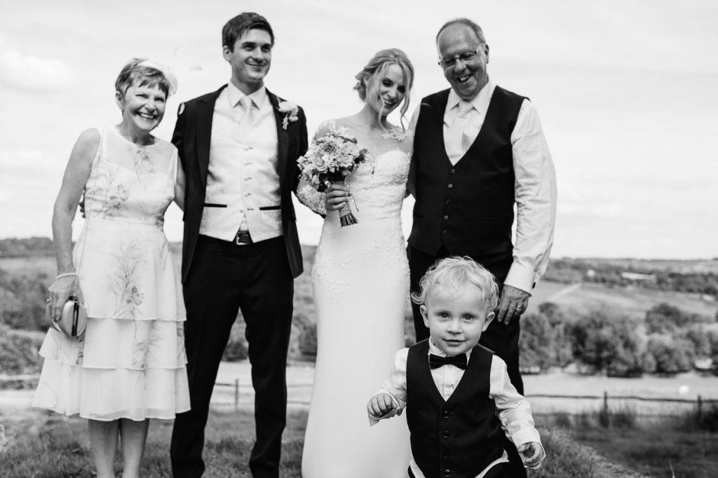 pippingford-park-wedding-photographer-012--1024x682
