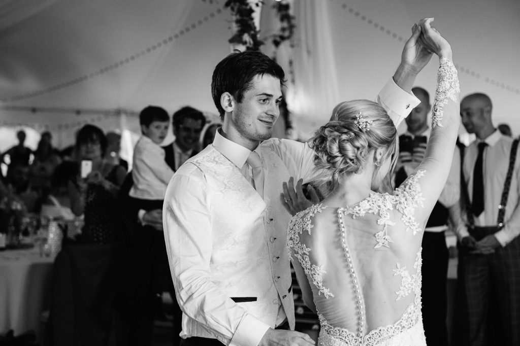 pippingford-park-wedding-photographer-023--1024x682