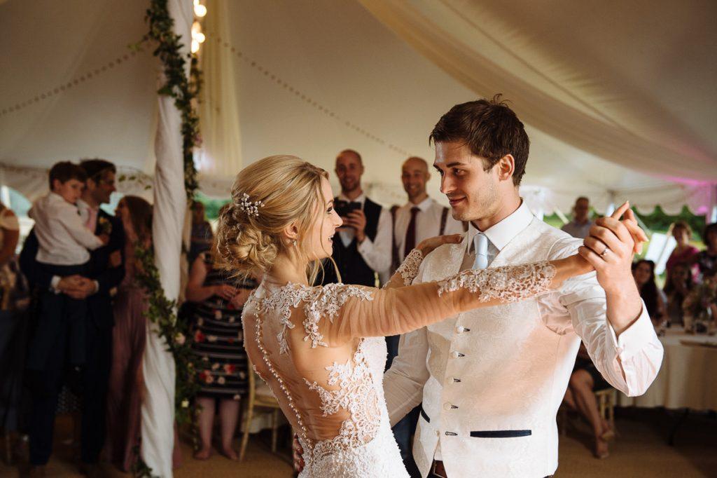 pippingford-park-wedding-photographer-024--1024x682