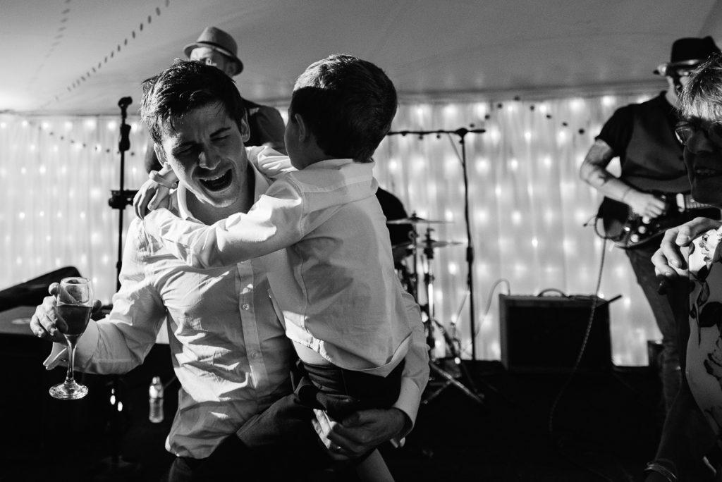 pippingford-park-wedding-photographer-028--1024x684
