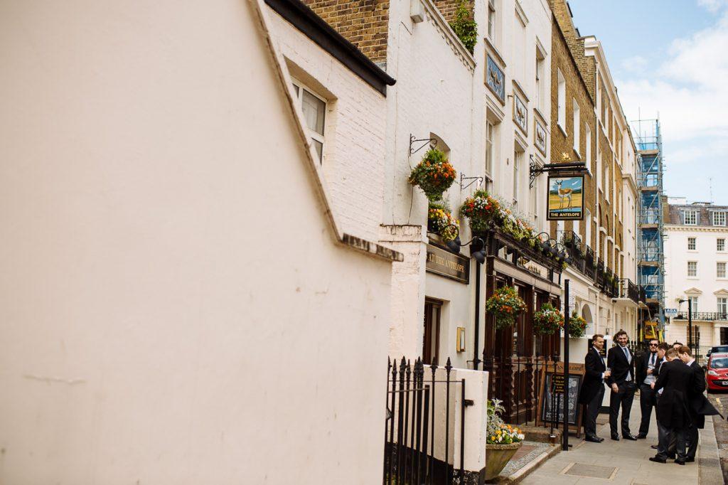 007-london-wedding-photographer-cavalry-guards-club-1024x682