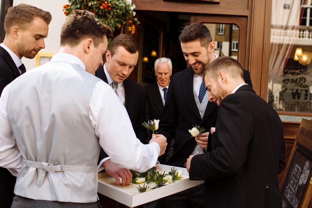 008-london-wedding-photographer-cavalry-guards-club-1024x682