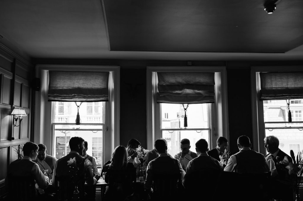 009-london-wedding-photographer-cavalry-guards-club-1024x682