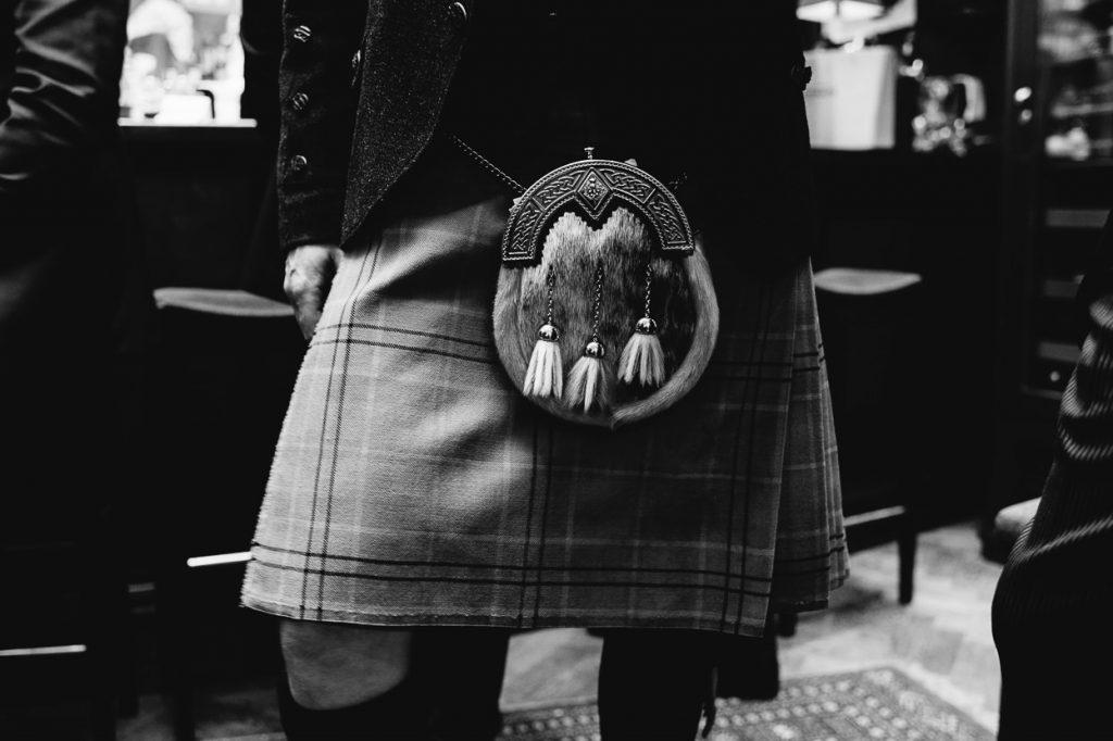 032-london-wedding-photographer-cavalry-guards-club-1024x682