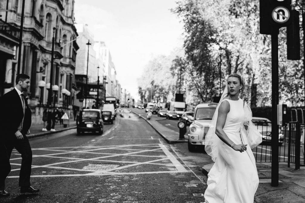 037-london-wedding-photographer-cavalry-guards-club-1024x684