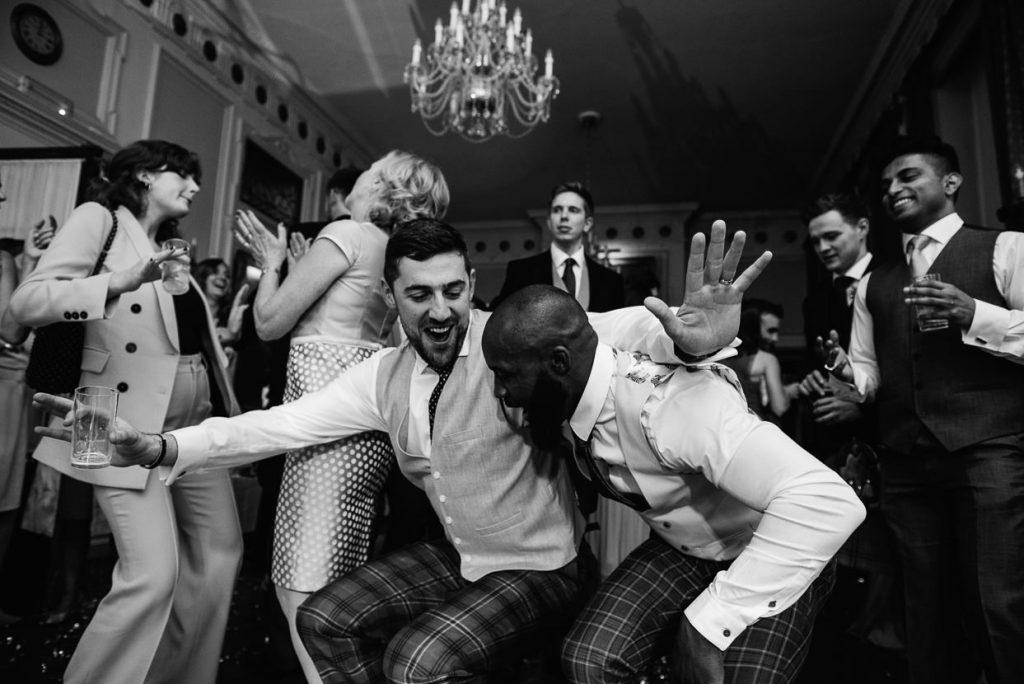 055-london-wedding-photographer-cavalry-guards-club-1024x684