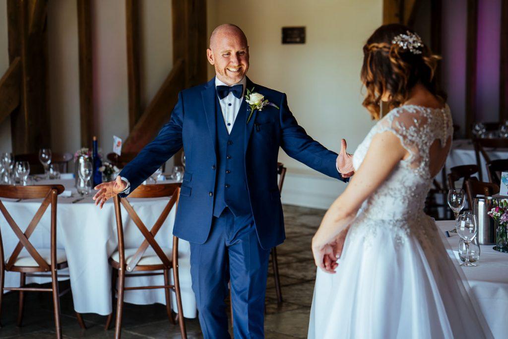 brookfield-barn-wedding-photographer-019-1024x683