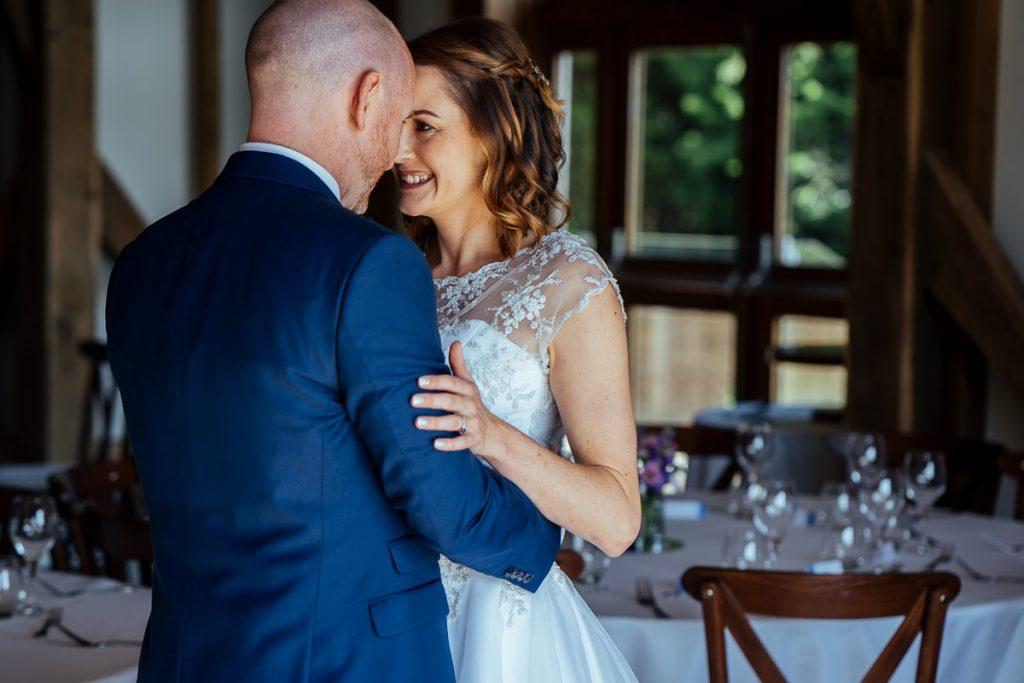 brookfield-barn-wedding-photographer-020-1024x683