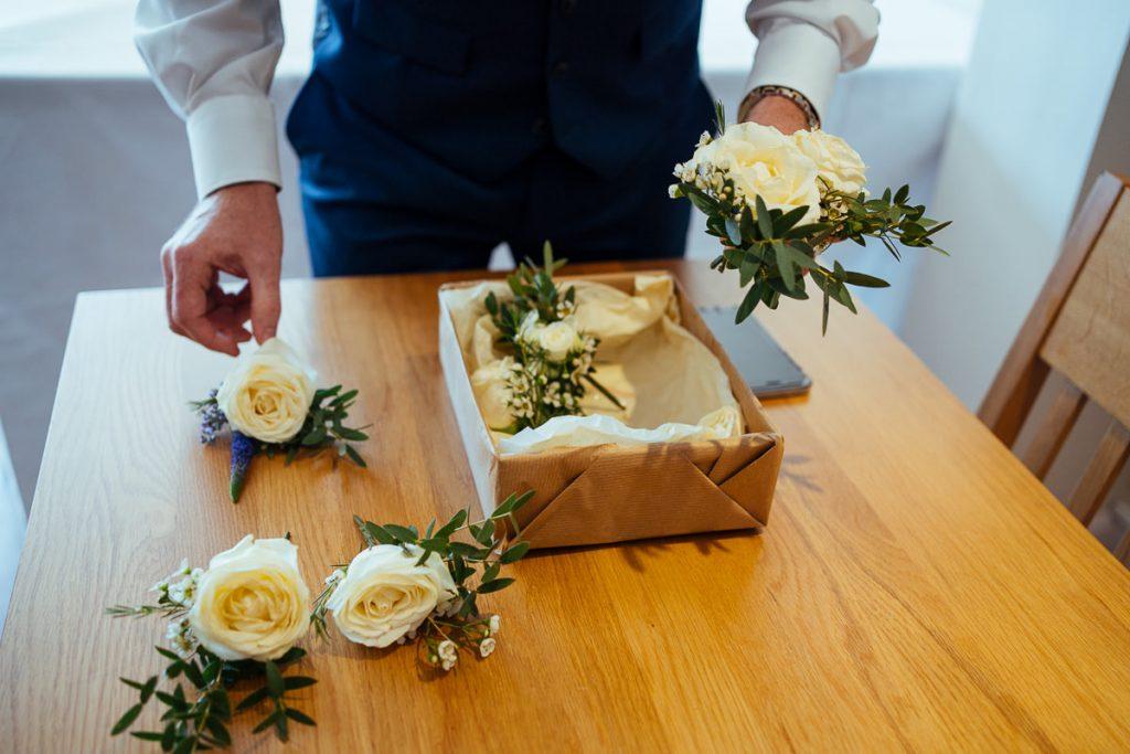 brookfield-barn-wedding-photographer-022-1024x683