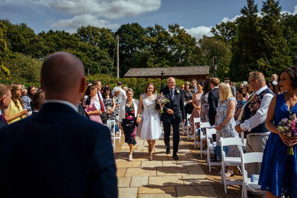 brookfield-barn-wedding-photographer-030-1024x683
