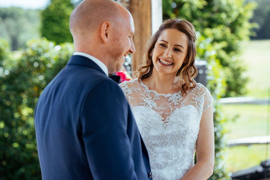 brookfield-barn-wedding-photographer-032-1024x683