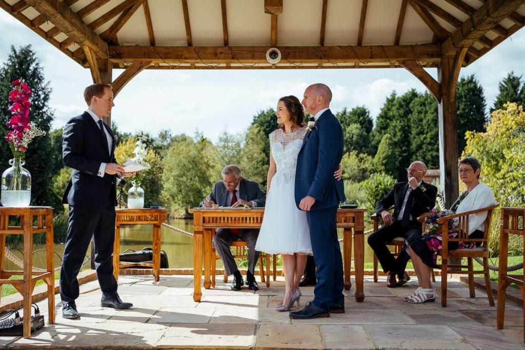 brookfield-barn-wedding-photographer-033-1024x683
