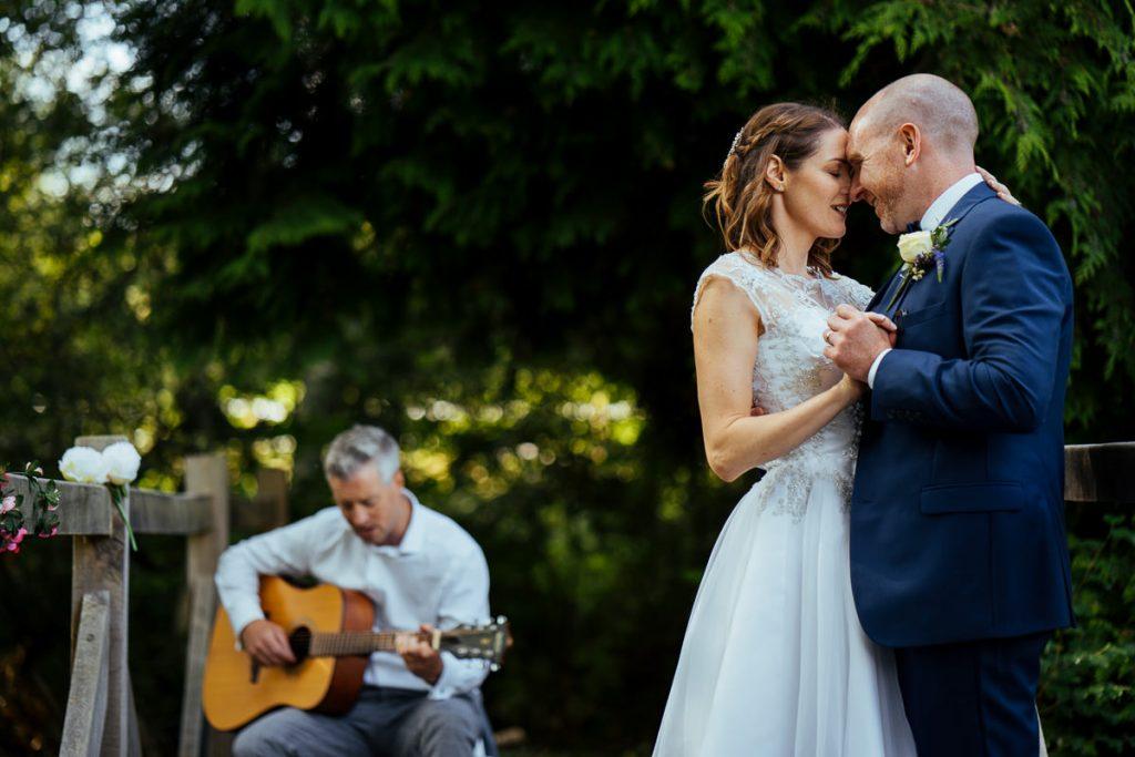 brookfield-barn-wedding-photographer-047-1024x683
