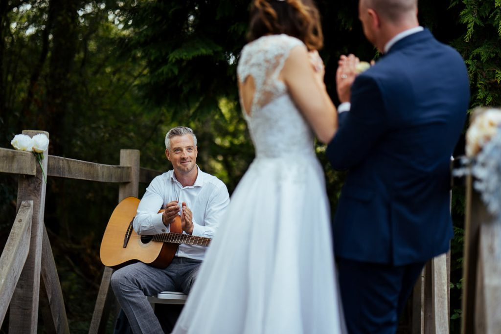 brookfield-barn-wedding-photographer-049-1024x683