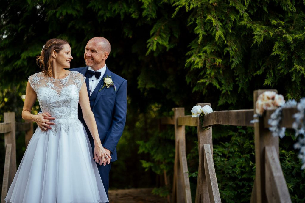 brookfield-barn-wedding-photographer-050-1024x683