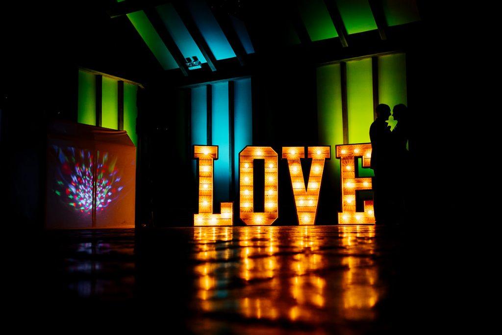 brookfield-barn-wedding-photographer-081-1024x683