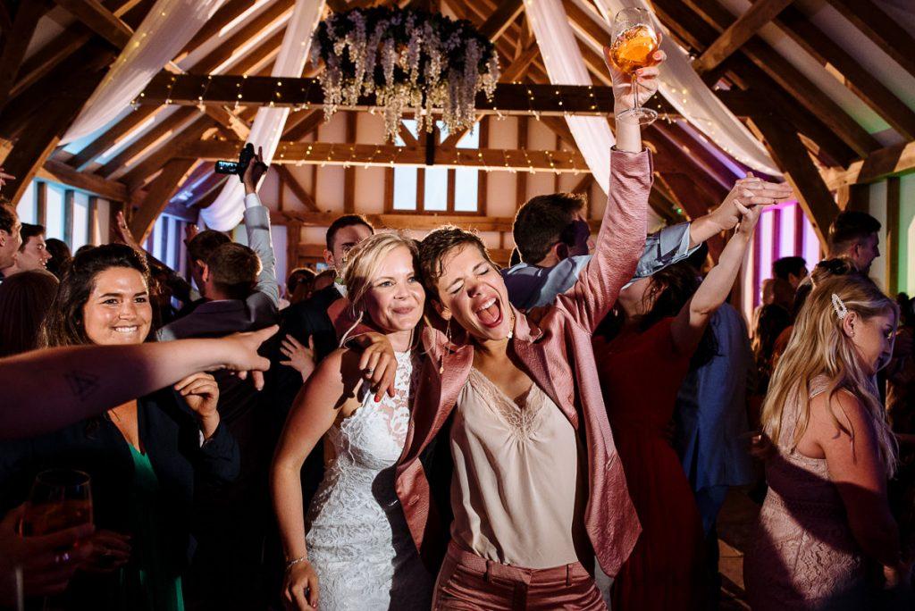 064-brookfield-barn-wedding-1024x684