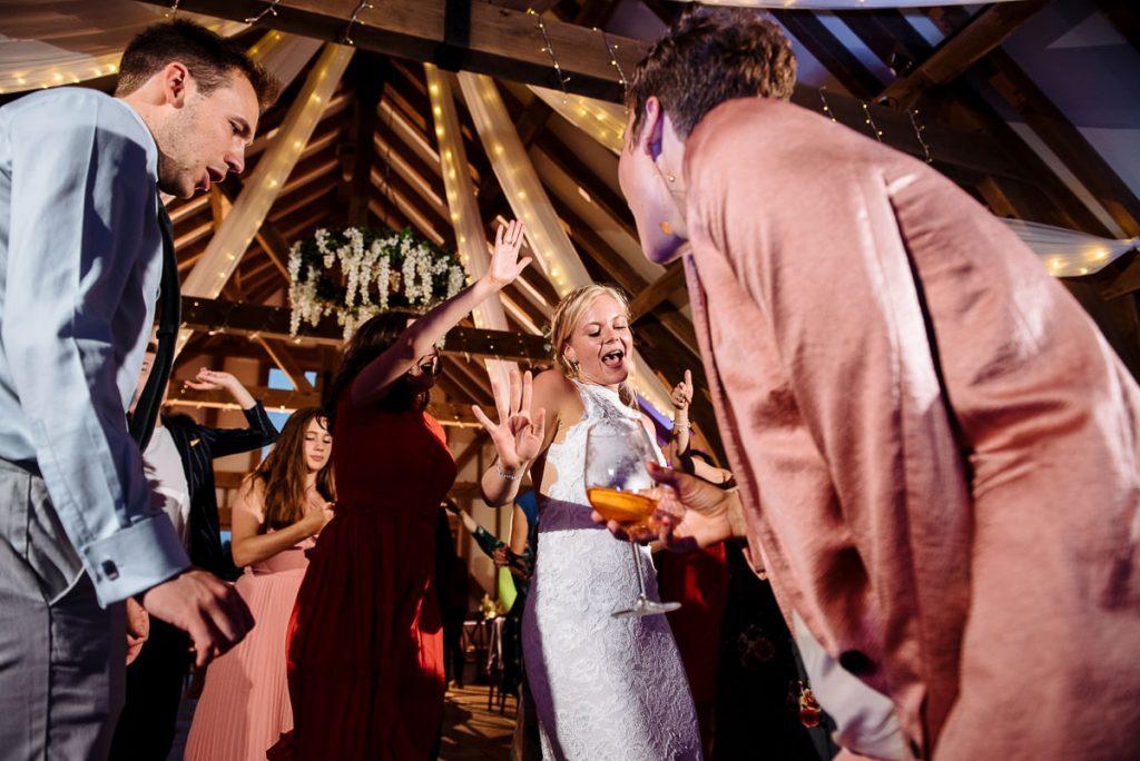 066-brookfield-barn-wedding-1024x684
