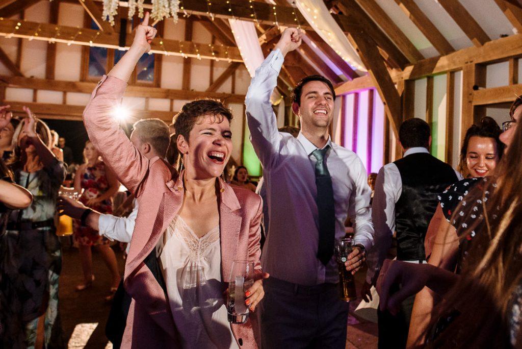 069-brookfield-barn-wedding-1024x684