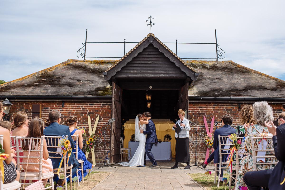 sussex-barn-countryside-wedding-venues-011